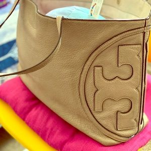 Tote toryburch